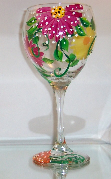 Dotted Daisy 20 Ounce Balloon Wine Goblet