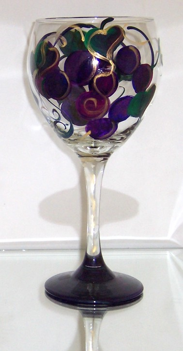 Grapes on 20 Ounce Balloon goblet